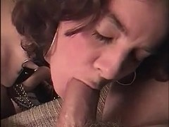 WIFE 50 MAKES HUSBAND FILM HER SUCKING YOUNG BOYFRIENDS COCK