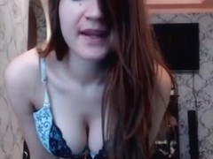 Dancing Teen With Perfect Tits On Webcam