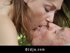 Hippie old guy fucked by a horny sexy girl in the forest