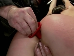 N00b getz PWND - first timer suffers intense bondage
