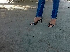 who loves sexyfeet in heels