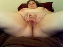 BBW toying with hairbrush on cam