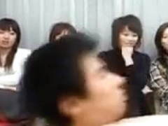 4 Japanese girls want to suck a dick