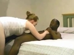 Amateur Interracial Husband Films Wife Fuck a BBC