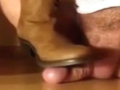 Stimulation and jizz flow by gf´s boots.