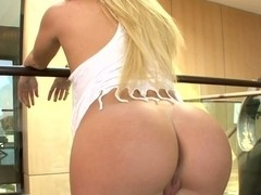 Big ass blonde teen