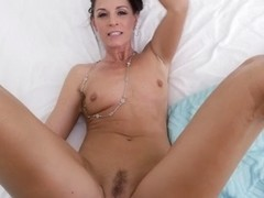India Summer & Bambino in Housewife1on1