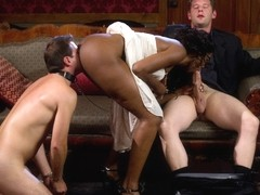 Shaun Diesel & Nyomi Banxxx & Roue in Rich Cuck Doesn't = Well-Endowed Cuck - DivineBitches
