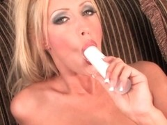 Cassie Young Video - Aziani