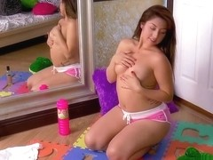 Courtney Loxx is eager to show you her hot body in front of the mirror