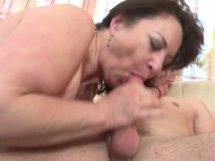 Mature mom suck and fuck not her son