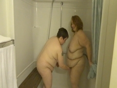 Kaylee & Shy BBW take a Shower