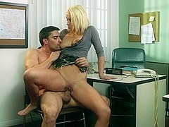swallow lexi Passionate kissing