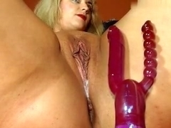 lady_vampa non-professional record 07/04/15 on 01:10 from MyFreecams