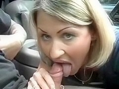 I look hot in this amateur blowjob video that I made with my bf in his car. I'm seen sucking his d.